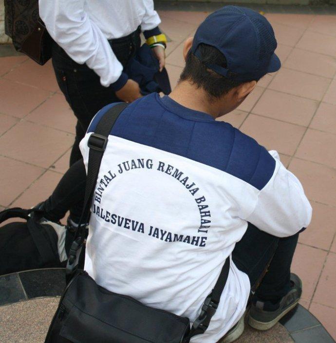 Anakku Irhas Anedi Priwima salah satu pelajar SMA yang beruntung dapat kesempatan mengikuti Pembinaan Mental Juang Remaja Bahari dari TNI AL dan merasakan berada di kapal Perang MAKASSAR-590 milik TNI